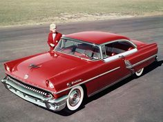 1955 Mercury Montclair Hardtop Coupe - I had one like this except it had a white top too, and stick overdrive. Ford Motor Company, Vintage Cars, Antique Cars, Vintage Auto, 50s Cars, Retro Cars, Mercury Cars, Ford Classic Cars, Custom Cars