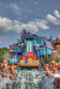 Dudley Do-Right's Ripsaw falls - universal studios island of adventure in Orlando Universal Orlando Florida, Orlando Usa, Universal Parks, Orlando Parks, Orlando Travel, Orlando Vacation, Universal Studios Theme Park, Disney Universal Studios, Parque Universal