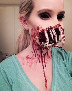 Post with 3418 votes and 6714 views. Tagged with Awesome, , , ; Shared by Goodyjake. Looks like I'm sleeping with the lights on tonight! Scary Makeup, Sfx Makeup, Makeup Looks, Halloween Face Makeup, Horror Make-up, Horror Movies, Gruseliger Clown, Looks Halloween, Halloween Stuff