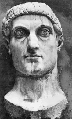ESCULTURA ROMANA Tiene influencias etruscas. Los materiales que se utilizan son mármol y bronce. Temáticas: el emperador, personajes de la visa política, filósofos. La Cabeza de Constantino, donde se geometriza el cabello, la cara y el rostro está contenido.