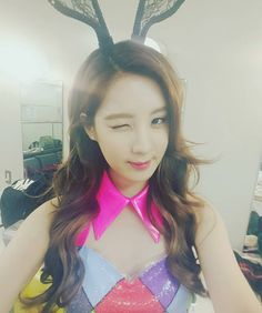 SeoHyun posed for a cute selfie at the backstage of SNSD's 'Phantasia' in Japan
