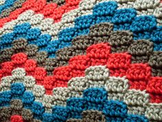 Pixelated Ripple pattern: looks like a fun thing to try out!