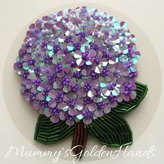 """Наша брошь """"Гортензия"""" в новом цвете Наш очередной эксперимент удался спасибо Нина @ninasokol , что не побоялась доверится нам и рискнуть заказать в таком цвете Еу а мы открыты для новых заказов #mummysgoldenhands #стиль #мода #подарок #брошиизбисера #брошиекб #брошиптицы #брошицветы #брошифрукты #броширучнойработы #брошиекатеринбург #брошиhandmade #броширучнаяработа #брошиизбисера #броши #брошь #брошьизбисера #брошинасекомые"""