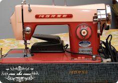 Vintage Morse sewing machine. Loving the two tone retro paint job!