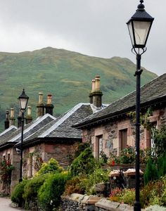 The village of Luss by the shores of Loch Lomond, Scotland (by andreabx)