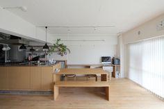 前後で作業できる広々としたキッチンスペース