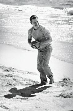 Matt Damon for Men's Health, January 2014 Matt Damon Jason Bourne, Jason Statham, Raining Men, Cute Gay, Coincidences, Hollywood, Celebrities, Celebs, My Love