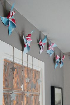 Love these pinwheels, think I will make these for my twins 5th birthday.