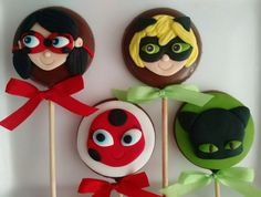 THE Miraculous Ladybug has everything to be successful among children. Frozen Birthday Party, Girl Birthday, Miraculous Ladybug Party, Bug Cake, Ladybug Cupcakes, Ladybug Crafts, Cat Noir, Themed Cupcakes, Cookie Designs