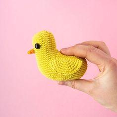 Photo by Veronica   Garnknuten   AMIGURUMI DESIGNER in Helsinki. Crochet Geek, Crochet Food, Crochet Patterns Amigurumi, Kinds Of Shapes, Simple Shapes, Crochet For Beginners, Diy Toys, Rubber Duck, Stuffed Toys Patterns