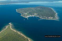 Mackinac Island, Michigan by http://www.paulretherford.com