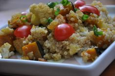 Este cuscuz ficou muito bom! É feito com quinoa, legumes assados e temperos deliciosos....