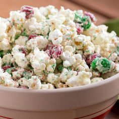 Learn to make Peppermint Crunch Popcorn. Read these easy to follow recipe instructions and enjoy Peppermint Crunch Popcorn today!