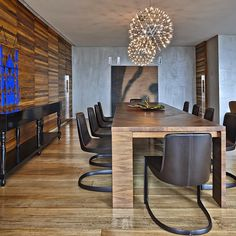 Mesa Alceo, design de Antonio Citterio para Maxalto. Apartamento LA, projeto do escritório David Guerra. #architecture #arquitetura #arte #art #artlover #design #architecturelover #instagood #instadesign #instadecor #instadaily #projetocompartilhar #shareproject #davidguerra #arquiteturadavidguerra #arquiteturaedesign #instabest #instahome #decor #architect #criative #photo #decoracion #table #tabledesign #alceo #citterio…