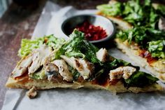 Chicken Caesar Salad Pizza ~ Notions & Notations of a Novice Cook. This sounds sooooo yummy. I Love Food, Good Food, Yummy Food, Chicken Caesar Salad, Chicken Ceasar, Ceasar Salad, Food For Thought, Great Recipes, Favorite Recipes