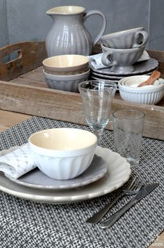 Mynte Stoneware by Ib Laursen, French Grey and Pure White...
