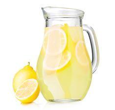 Effen Raspberry Lemonade Cocktail Recipe Mixed Drink with Raspberry Vodka Whiskey Lemonade, Vodka Lemonade, Lemonade Cocktail, Sangria Cocktail, Watermelon Martini Recipes, Cucumber Vodka, Spiked Punch Recipes, Vodka Recipes, Summer Sangria