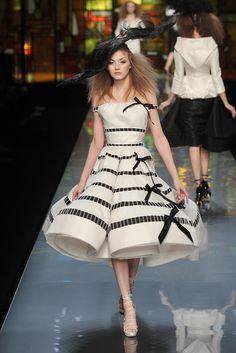Christian Dior Spring 2009 Couture Fashion Show