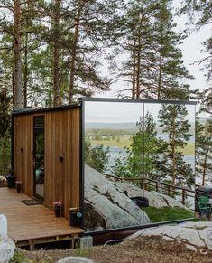 The Wonderinn Mirrored Glass Cabin - Hektner, Akershus, Norway - Design Finder Escapés Cabins In The Woods, House In The Woods, Cabins In The Mountains, House In Nature, Norway Design, Glass Cabin, Mirror House, Tiny Cabins, Cabin Design