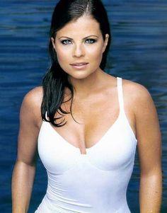 Yasmine Bleeth - Google Search Celebrity Gossip, Celebrity Crush, Yasmine Bleeth, New York City, Amanda, Baywatch, Female Stars, Female Singers, Body Inspiration