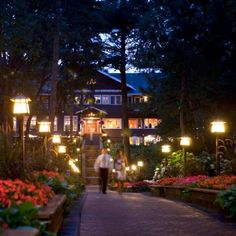 Romance, of course, can be wherever the two of you are. But wonderful surroundings help. We found some of the most romantic places anywhere in the Midwest—in the city and country. All you have to do is get away together!