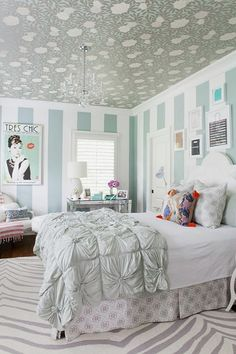 10 graceful feminine bedroom ideas