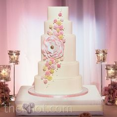 Pink Sugar Flower Cake // photo: John & Joseph Photography // Event planning: Details Details // Cake: Filigree cakes