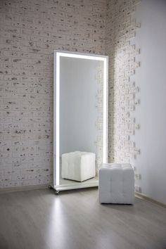 Full Length Mirror With Lights, Mirror With Built In Lights, Home Room Design, Home Interior Design, Big Mirror In Bedroom, Diy Vanity Mirror, Sims 4 House Design, Indian Living Rooms, Makeup Room Decor
