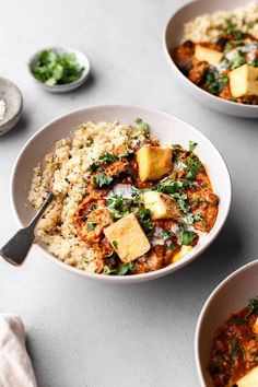 Mushroom And Tofu Tikka Masala With Cauliflower Rice - Slices Of Chunky Portobello Mushroom And Crispy Tofu In A Creamy Tomato Tikka Masala Sauce With Cauliflower Rice Its Every Thing You Want From A Flavourful Delicately Spiced Curry Its B Tofu Recipes, Indian Food Recipes, Whole Food Recipes, Vegetarian Recipes, Dinner Recipes, Healthy Recipes, Ethnic Recipes, Keto Recipes, Vegan Tikka Masala