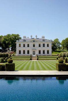 A neo-classical idyll in the Sussex countryside with elegant interiors by Edward Bulmer Pitshill House restored Georgian house in Sussuex by Edward Bulmer Georgian Mansion, Georgian Homes, Style At Home, Luxury Apartments, Luxury Homes, English Manor Houses, English House, Georgian Architecture, Architecture Design