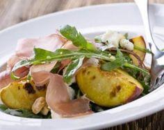 Salade de pêches grillées au jambon de Parme à la mozzarella light : http://www.fourchette-et-bikini.fr/recettes/recettes-minceur/salade-de-peches-grillees-au-jambon-de-parme-la-mozzarella-light.html