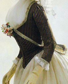 1790's zone gown. How beautiful would this look in a blue and white stripe with maroon or chocolate accents?