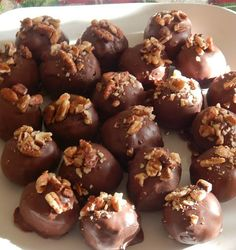 No-Bake creamy Chocolate Peanut Butter Chocolate  Snowballs with Pecans.