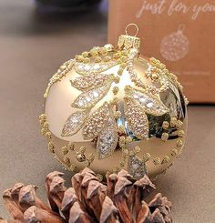 Ball Decorations, Christmas Decorations, Holiday Decor, Christmas Time, Christmas Bulbs, Merry Christmas, Handmade Ornaments, Glass Ball, Box Design