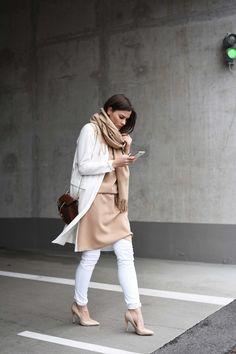 More on www.fashiioncarpet.com  Vest by Zara, Dress by Asos, Drew Bag by Chloé, Nude Heels by Aldo  #fashiioncarpet #ninaschwichtenberg