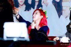 Wendy Red Velvet, Crown, Wallpapers, Fashion, Moda, Corona, Fashion Styles, Wallpaper, Fashion Illustrations