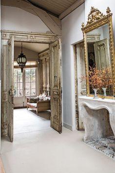 Así es la casa en La Haya de la pintora Lita Cabellut.