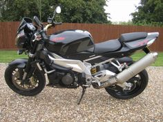 APRILIA TUONO 1000 R Black (2008/58)