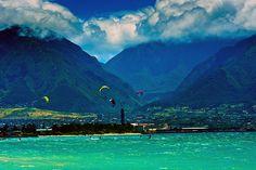 Kite Sailing in Kahului Bay, Maui by Bruce Campbell Wailea Maui, Kauai, Aloha Hawaii, Hawaii Travel, Wonderful Places, Beautiful Places, Beautiful Scenery, Kite Sailing, Places To Travel