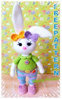 Crochet Rabbit Free Pattern, Easter Crochet Patterns, Crochet Amigurumi Free Patterns, Crochet Geek, Crochet Doll Pattern, Crochet Crafts, Free Crochet, Crochet Baby Bonnet, Crochet Flower Tutorial