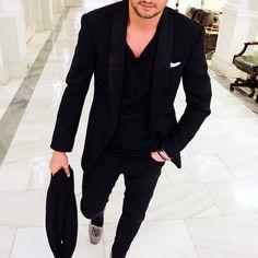 "2,187 aprecieri, 56 comentarii - LOUIS-NICOLAS DARBON (@louisnicolasdarbon) pe Instagram: ""All Black everything♠️    #allblackeverything #mensstyle #gentlemanstyle #suitup"""