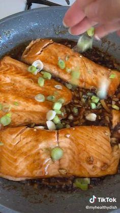 Salmon Recipes, Asian Recipes, Healthy Recipes, Haitian Food Recipes, Mexican Food Recipes, Good Food, Yummy Food, Weird Food, Food Hacks