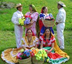 el-salvador-culture, Ropa tradicional de baile. K.Plant
