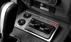 Transmisión Automática de 6 velocidades equipada con el Sistema SelectShift® para modo manual y el Sistema Progressive Range Select® que permite al conductor limitar el número de velocidades para mejorar el manejo y la respuesta del motor en cualquier condición de alta exigencia.