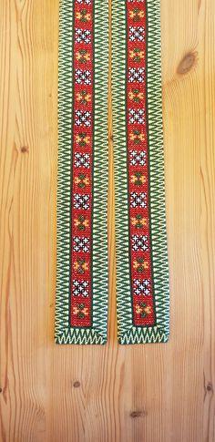 Bunad og Stakkastovo AS Crochet Bedspread, Friendship Bracelets, Beadwork, Jewelry, Hardanger, Jewlery, Jewerly, Pearl Embroidery, Schmuck
