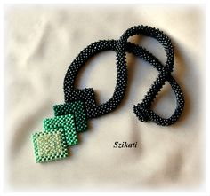 Beaded green Right Angle Weave seed bead necklace OOAK by Szikati, Peterne Sziklai, Budapest, Hungary