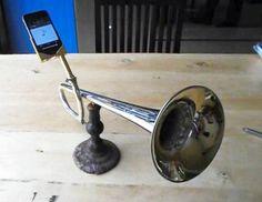 iPhoneBooster - DIY Trumpet Cobra dock amplifies iPhone 5 sound beyond belief