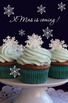 Winter cup cakes