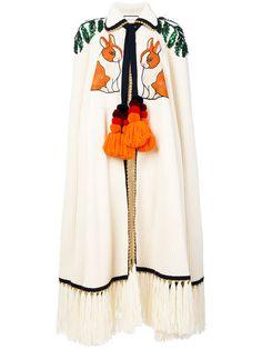 GUCCI Embroidered Cashmere Cape. #gucci #cloth #cape Pear Fashion, Fashion 2020, Street Fashion, Womens Fashion, Hijab Chic, Poncho, Vintage Coat, Fashion Stylist, Stylish Clothes