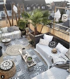 Bohemian Deco: must put into perspective . - (Im) perfect, Bohemian Deco: must put into perspective . - (Im) perfect Outdoor Rooms, Outdoor Living, Outdoor Decor, Outdoor Patios, Outdoor Kitchens, Ideas Terraza, Gazebos, Wooden Greenhouses, Patio Design